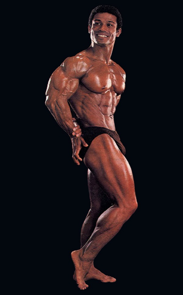 Hot-Legendary-Bodybuilder-Mohamed-Makkawy-001