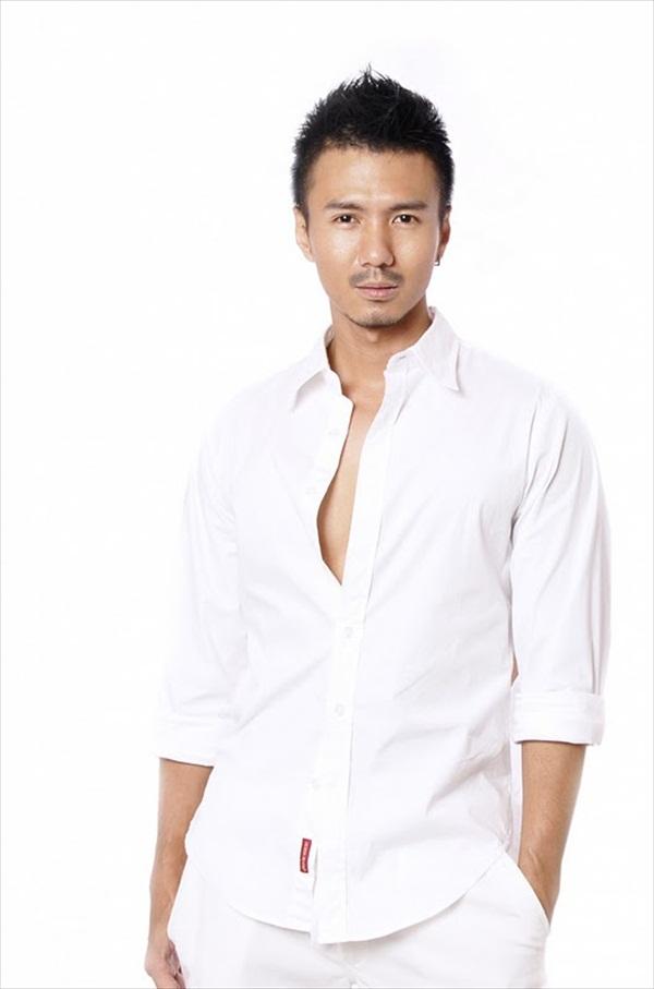 asian-male-hot-body-nude-lindsay-blowjob-calum-best