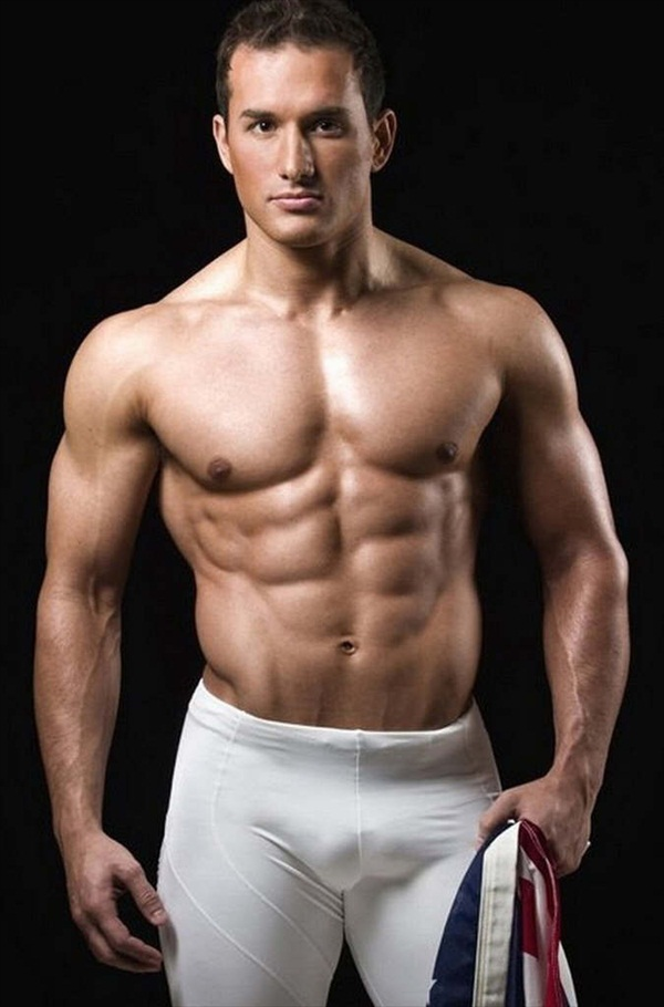 Shirtless workout by one of hottest male