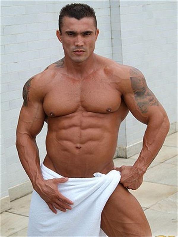 Bodybuilder Pictures - Man Towel 2 942a9af8a