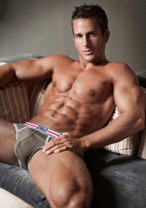 sexy-athletic-men-nude