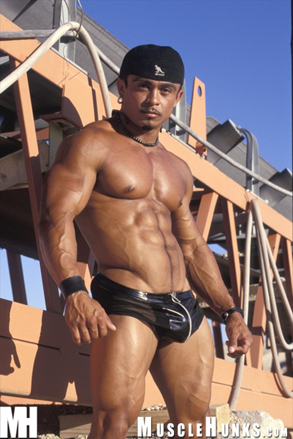 Carlos Botero - Unforgettable Muscle Hunk